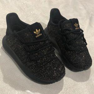 Size 5 unisex adidas shoes